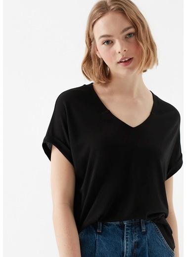 Mavi V Yaka  Basic Tişört Siyah